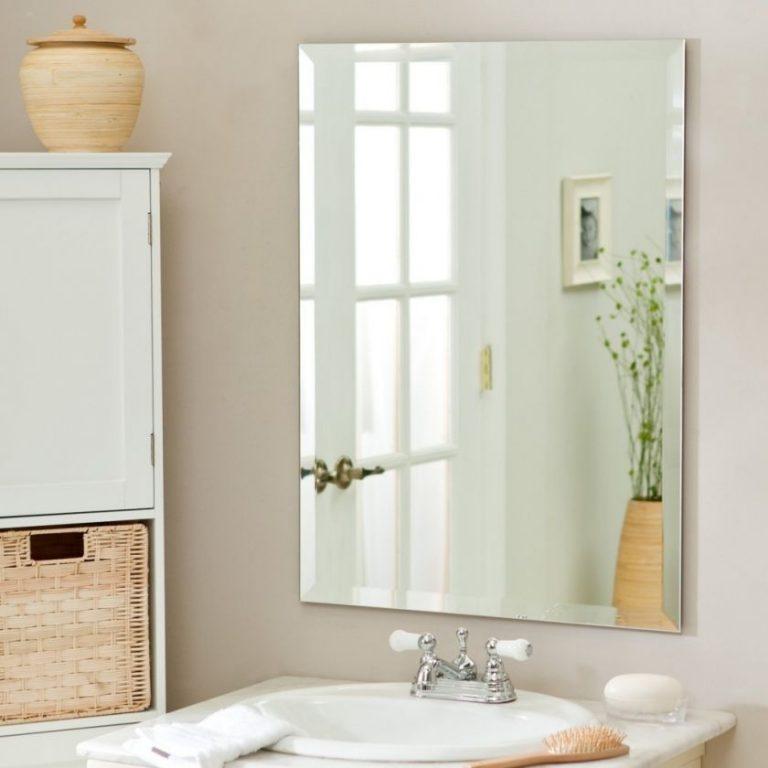 Para emitir un espejo en el baño. Cómo hacer tus propias manos el ...