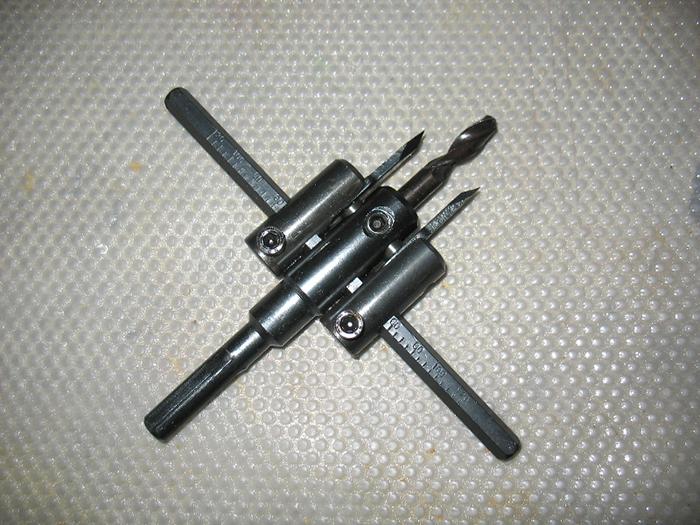 In Tegels Boren : Fonteinoefeningen op keramisch graniet. boren voor tegels: kiezen en